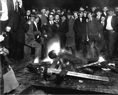 744px-Omaha_courthouse_lynching.jpg