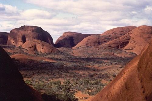 Uluru-Kata_Tjuta_National_Park-2.jpg