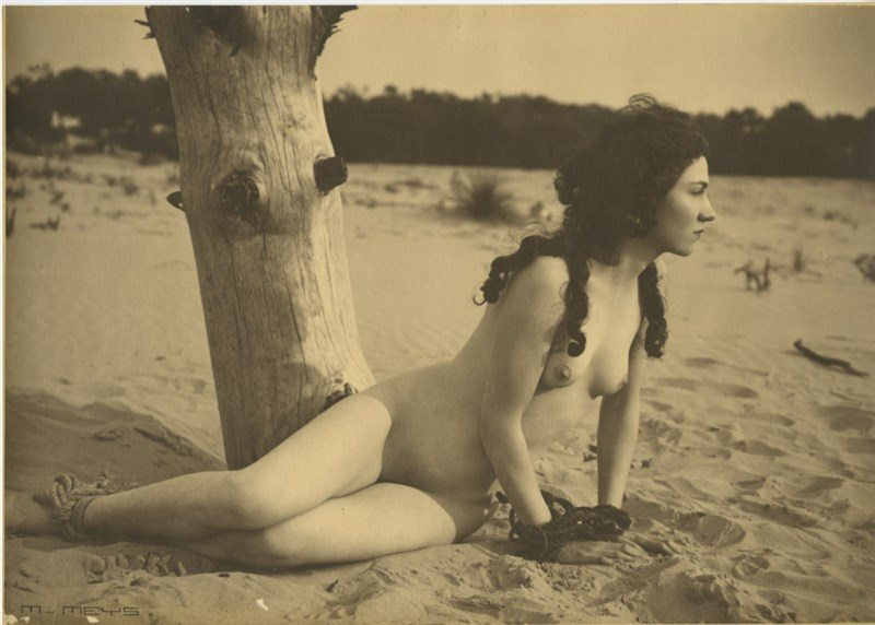 0-2850633-marcel-meys-etude-de-nu-c3a0-la-plage-1920-via-ebay