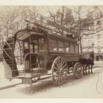 Omnibus_by_Eugène_Atget_1910